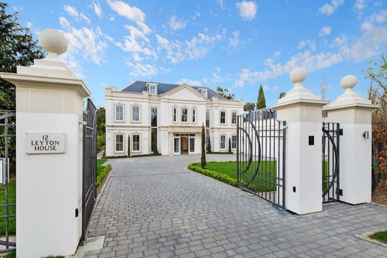 Leyton house a 10 000 square foot palladian mansion in for 10000 square feet building