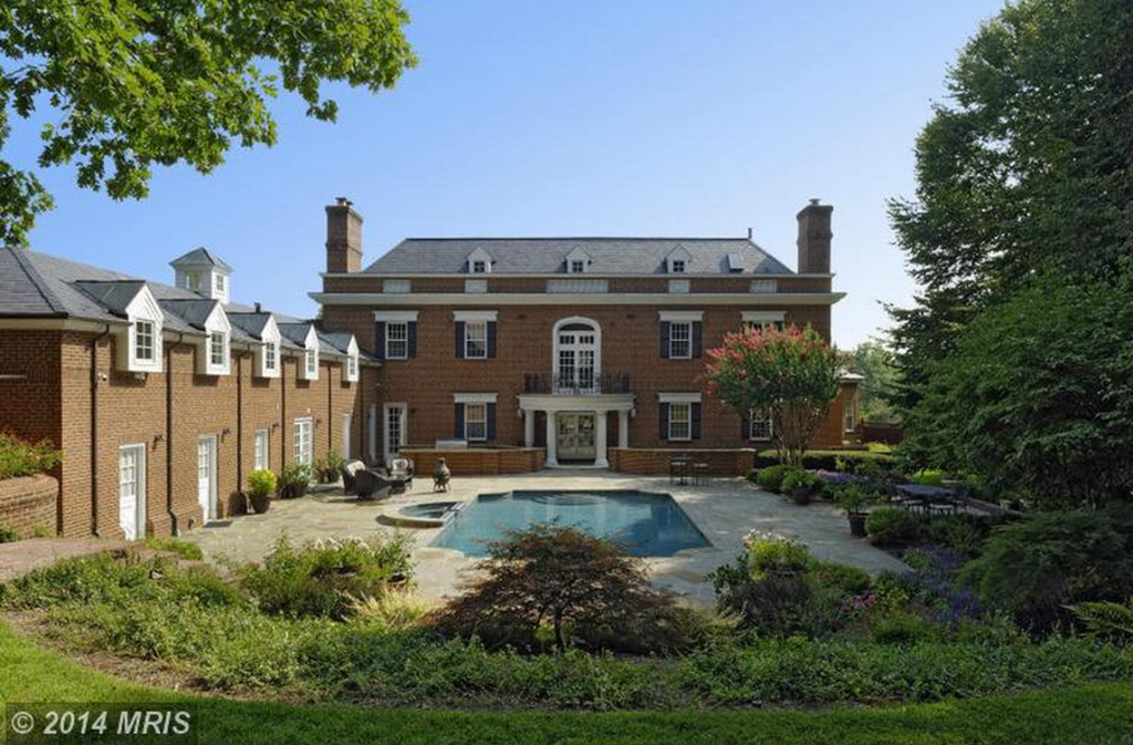 Ayrlawn a 6 9 million georgian mansion in potomac md for Most expensive homes in maryland