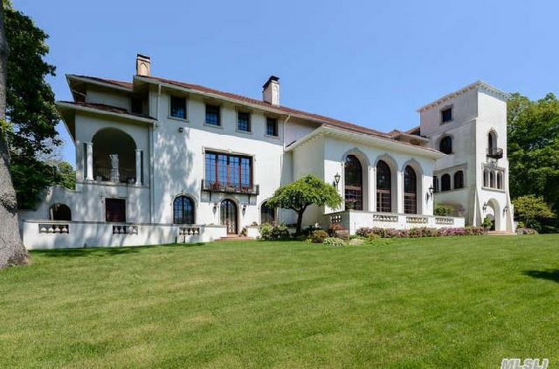 $11.8 Million Renovated 1915 Estate In Mill Neck, NY