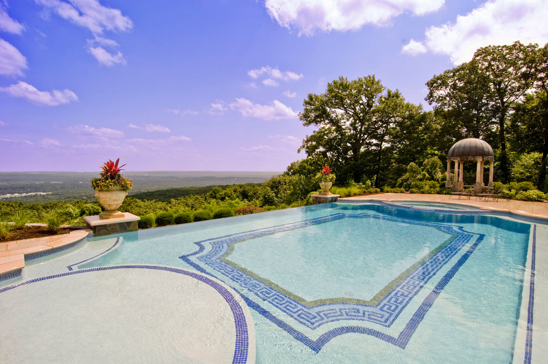 A Look At Some Swimming Pools With Amazing Views | Homes ...