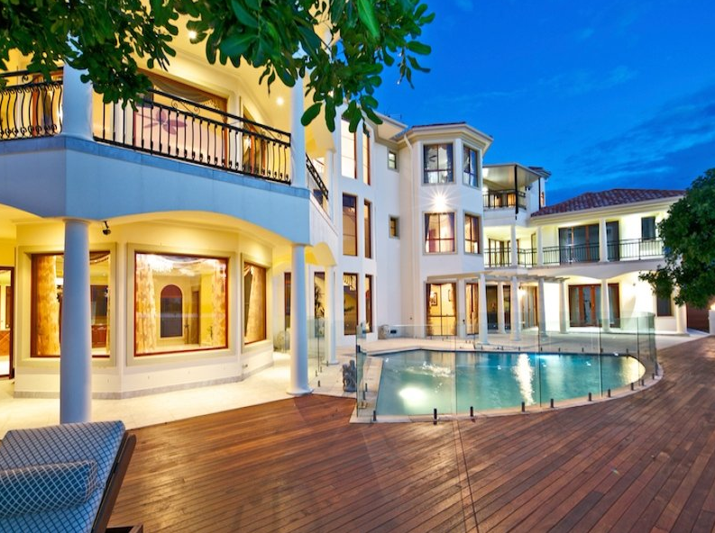 3 Story Waterfront Mansion In Queensland Australia