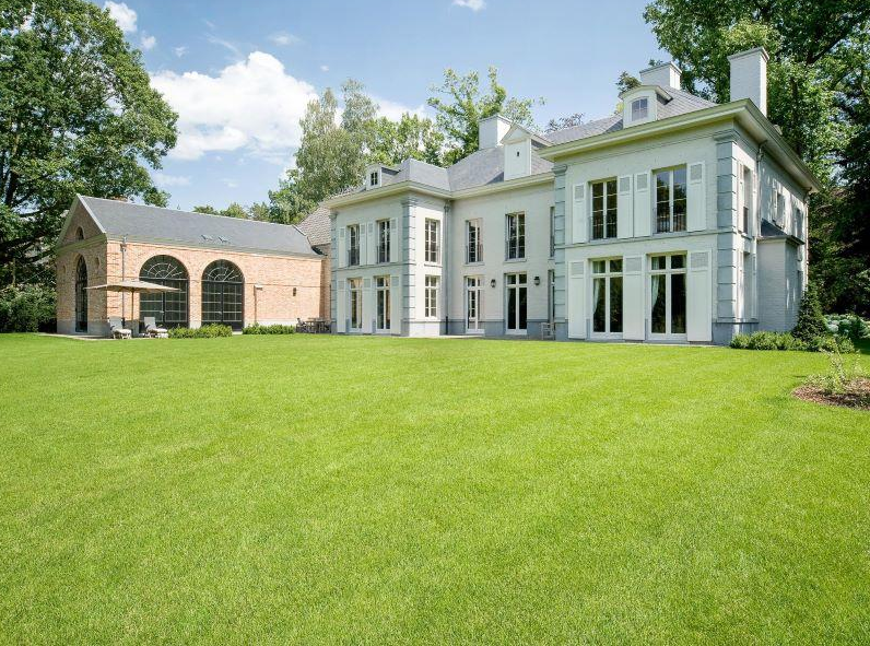 10,000 Square Foot Mansion In Brussels, Belgium