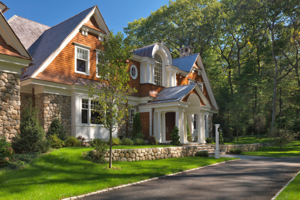 Classic shingle mansion in boston by jan gleysteen for Classic shingles