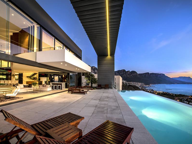 Stunning Waterfront Contemporary Mansion In South Africa