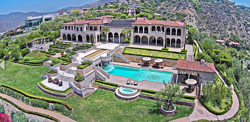 Villa dei sogni a 38 million italian inspired mansion for Rich homes in california