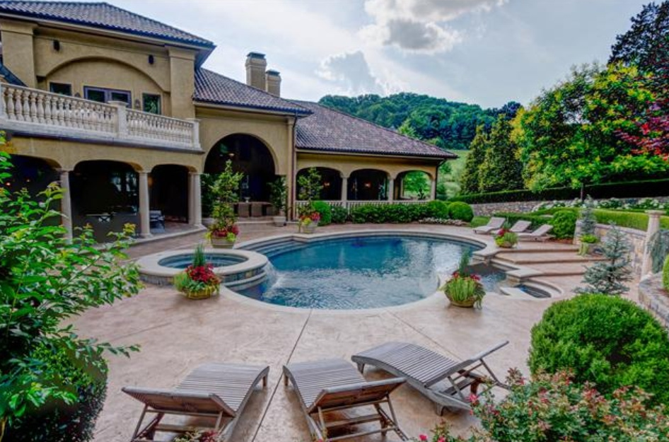 $4.95 Million Mediterranean Mansion In Brentwood, TN