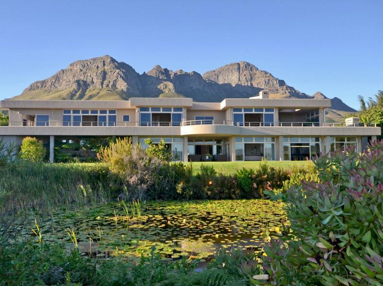 A look at 4 contemporary mansions for sale in south africa for Mansions for sale us