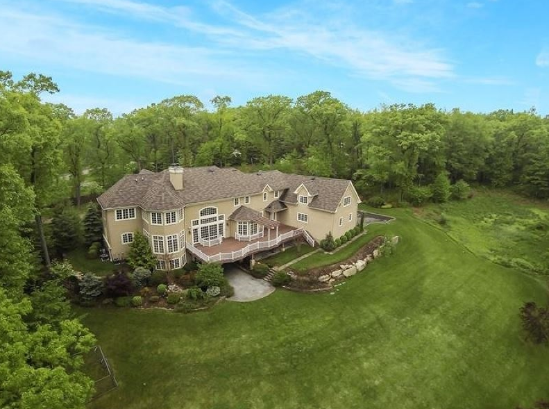 $2.5 Million Stucco & Stone Colonial In Boonton Township, NJ