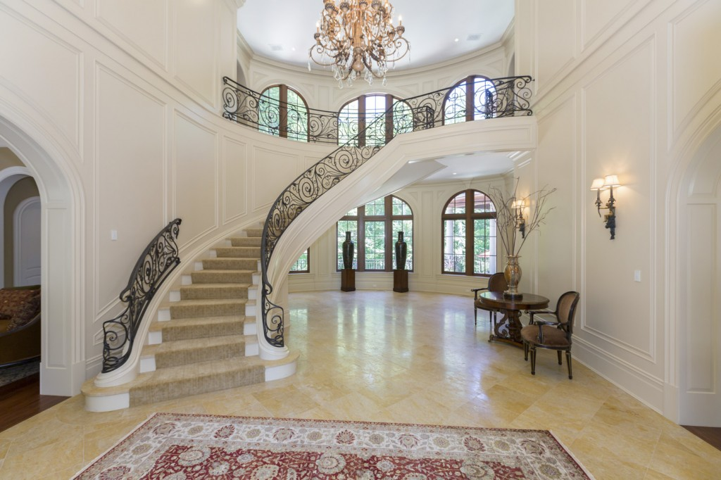 Luxury stairs gallery for Luxury staircase
