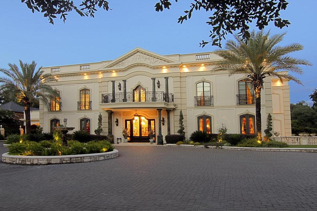 18 9 Million Neoclassical Mansion In Houston Tx With