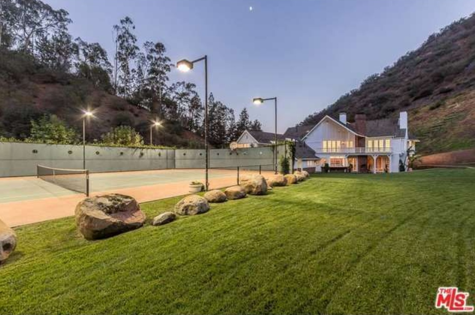 $9.95 Million English Country Mansion In Los Angeles, CA