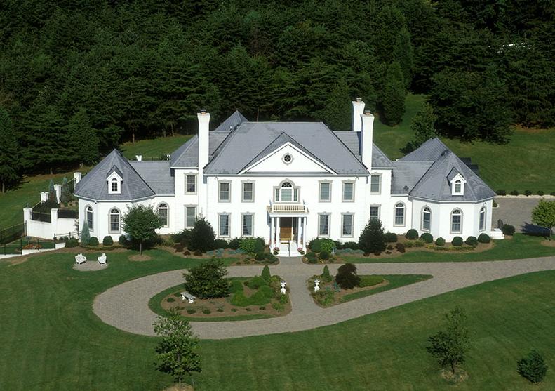 A Look At 2 Virginia Luxury Home Builders