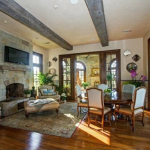 Hearth/Breakfast Room