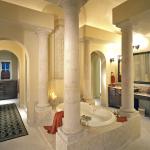 Columned Tub #11