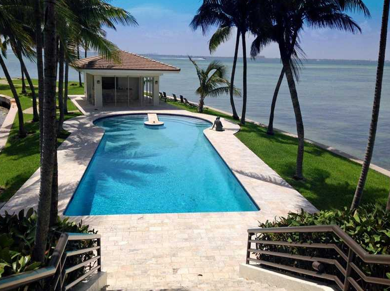 $60 Million Waterfront Estate On A Peninsula In Key Biscayne, FL