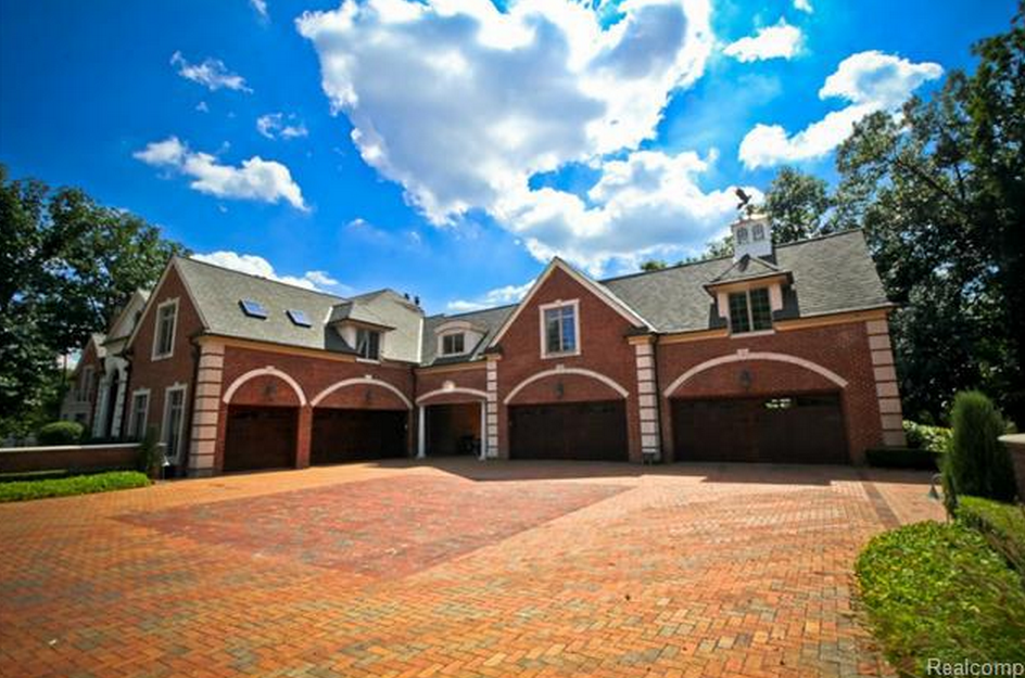 145 million newly listed 20000 square foot mansion in northville mi - 6 Car Garage
