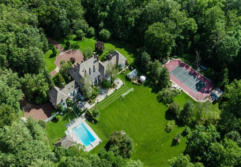 $11.975 Million Georgian Colonial Mansion In Greenwich, CT