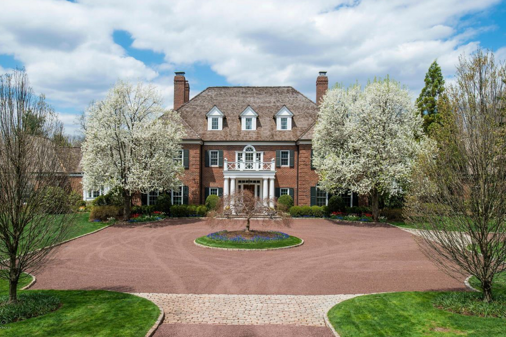 million georgian colonial mansion in greenwich ct. Black Bedroom Furniture Sets. Home Design Ideas