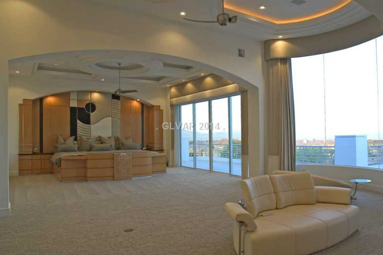 Master Bedroom | Homes of the Rich