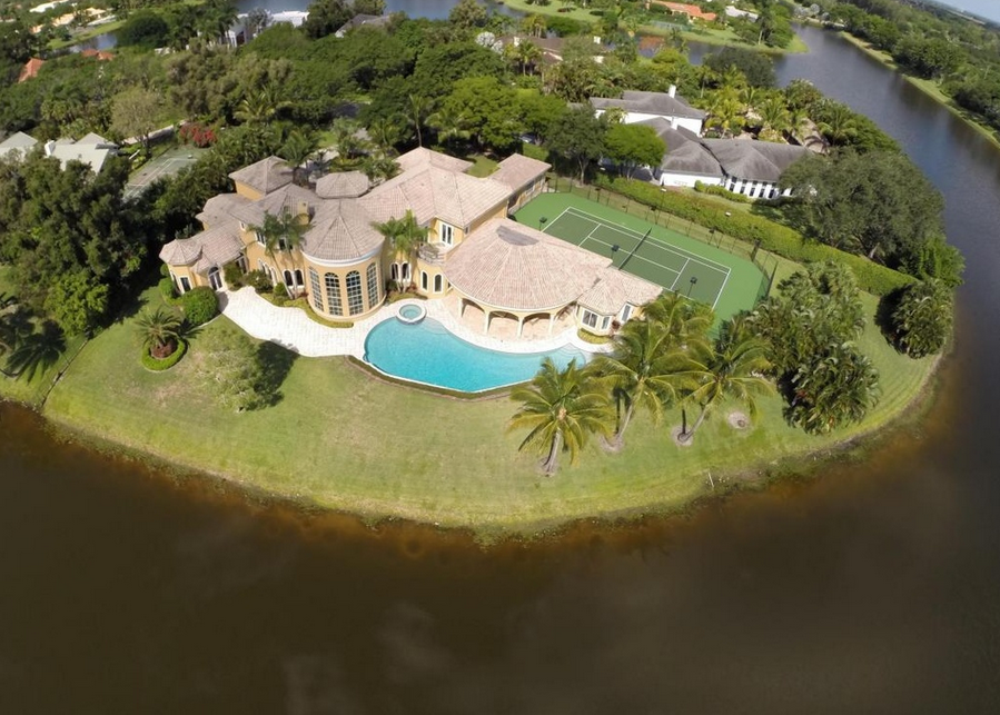 $3.9 Million Mediterranean Lakefront Mansion In Boca Raton, FL