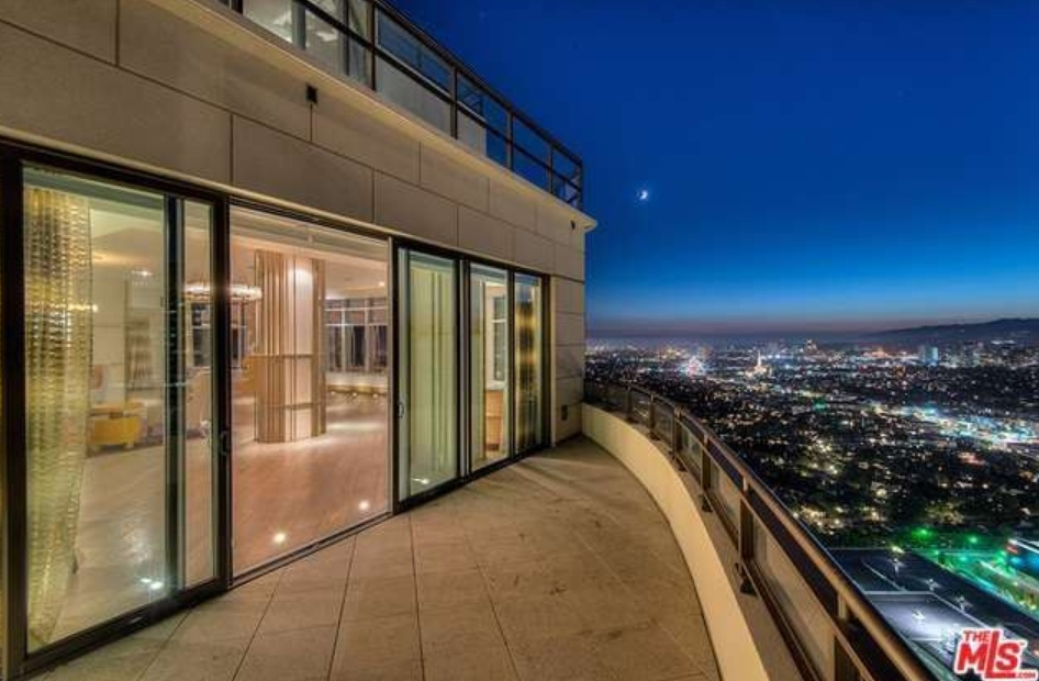 19 5 million newly listed penthouse in the century for Penthouses for sale los angeles