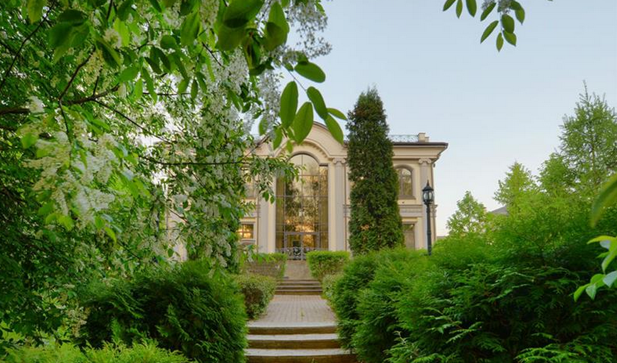 $21 Million 15,000 Square Foot Neoclassical Mansion In Moscow, Russia
