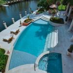 Swimming Pool w/ Spa