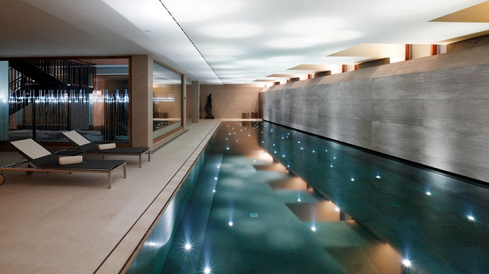 A Look At Some Modern & Contemporary Indoor Pools