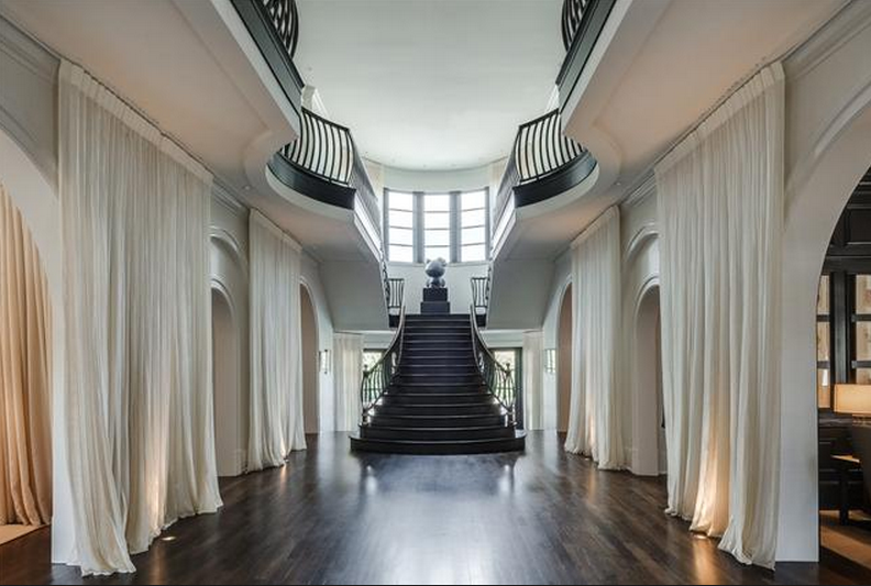 Attractive Luxury Staircase #1: Screen-Shot-2014-10-05-at-5.40.27-PM.png