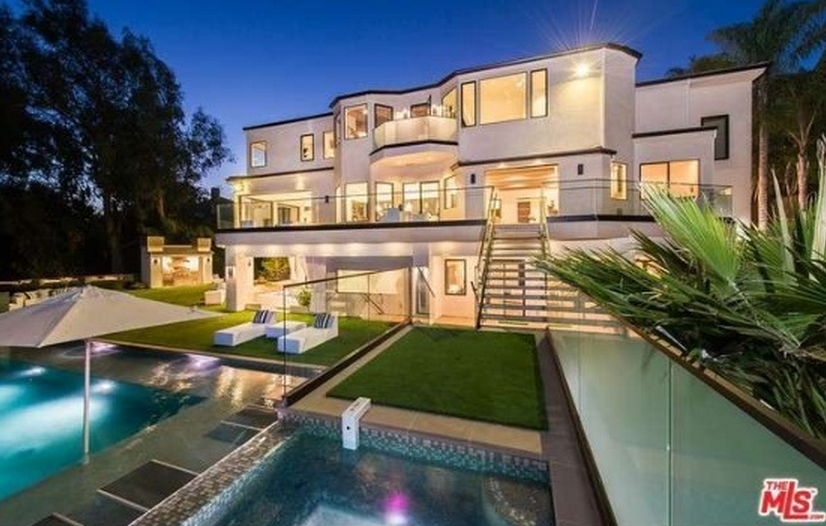 18 Million Newly Built Contemporary Mansion In Los