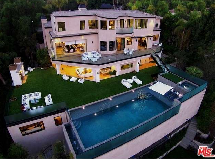 $18 Million Newly Built Contemporary Mansion In Los Angeles, CA