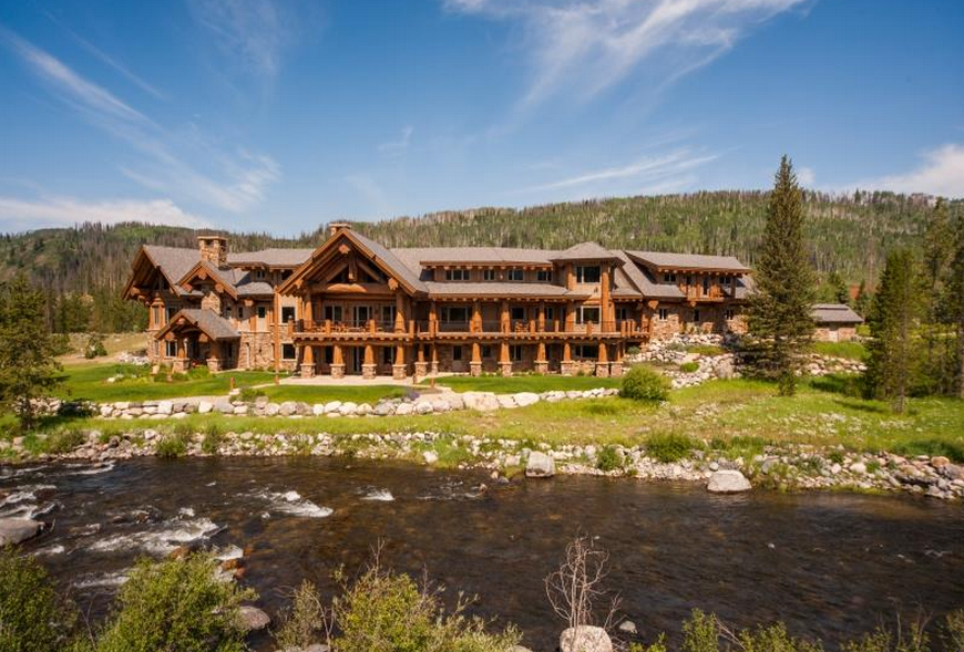 Eagles landing a 17 000 square foot log mansion in clark for Colorado log home plans