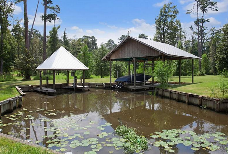 18 Acre Mediterranean Riverfront Estate In Covington, Louisiana