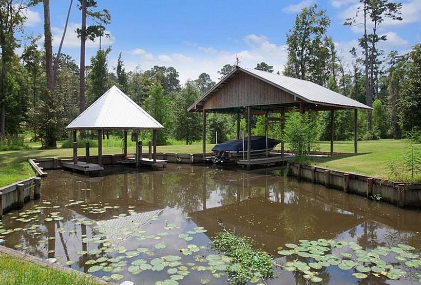 18 Acre Mediterranean Riverfront Estate In Covington, Louisiana