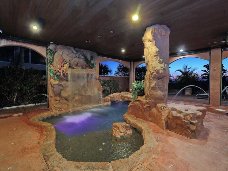$4.5 Million Beachfront Home In Anna Maria, FL