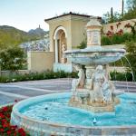 Motor Court w/ Fountain