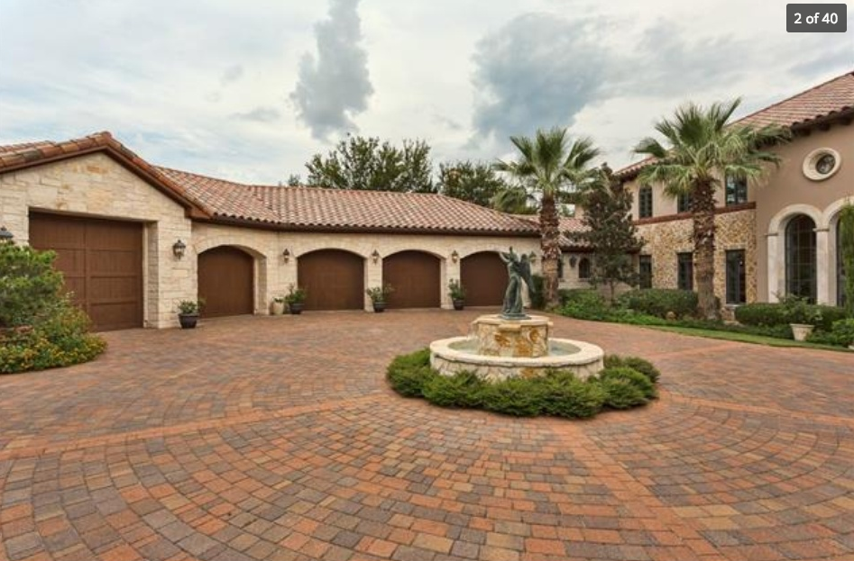 5 9 Million Santa Barbara Style Waterfront Mansion In Jonestown Tx Homes Of The Rich