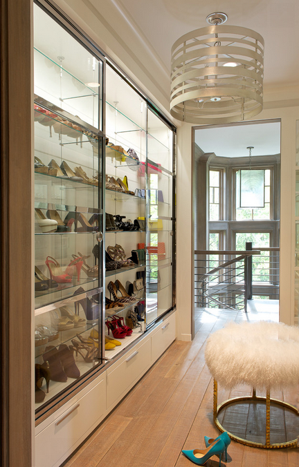 A Look At Some Lavish Walk In Closets Homes Of The Rich