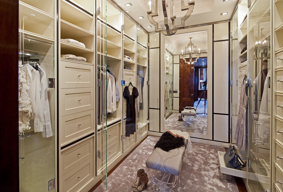 A Look At Some Lavish Walk-In Closets