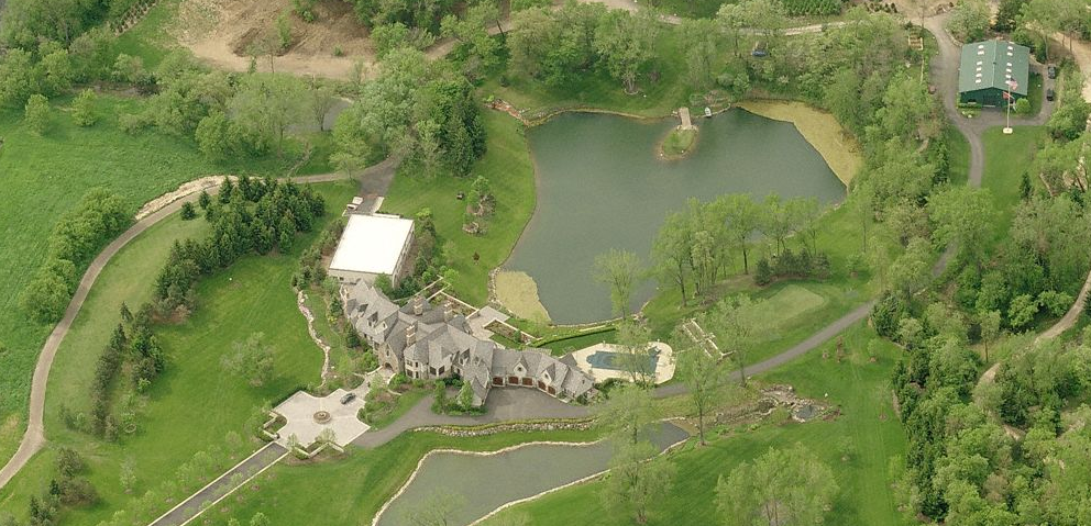 The Hidden Ponds Estate In Barrington, IL Re-Listed