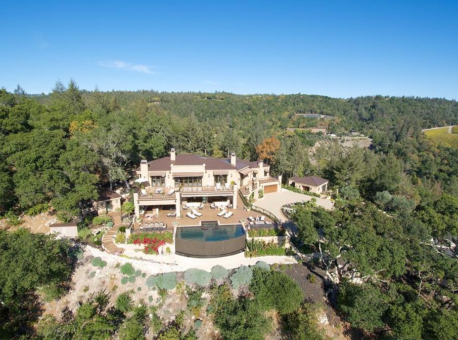 Round Hill – A $28 Million Hilltop Estate In Napa, CA