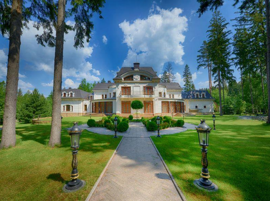 $100 Million 25,000 Square Foot Mega Mansion In Moscow, Russia