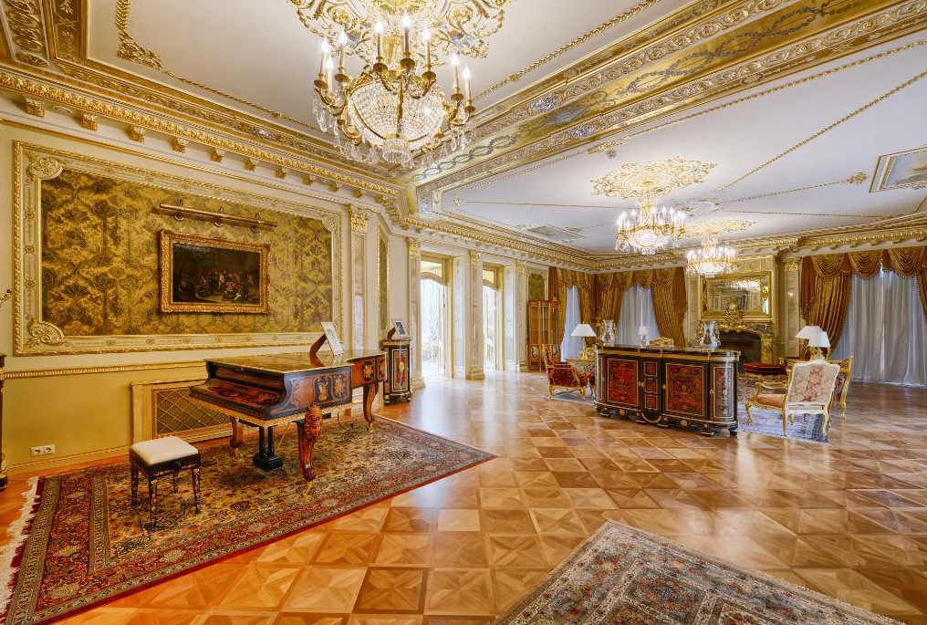 100 million 25 000 square foot mega mansion in moscow for 100 square foot living room