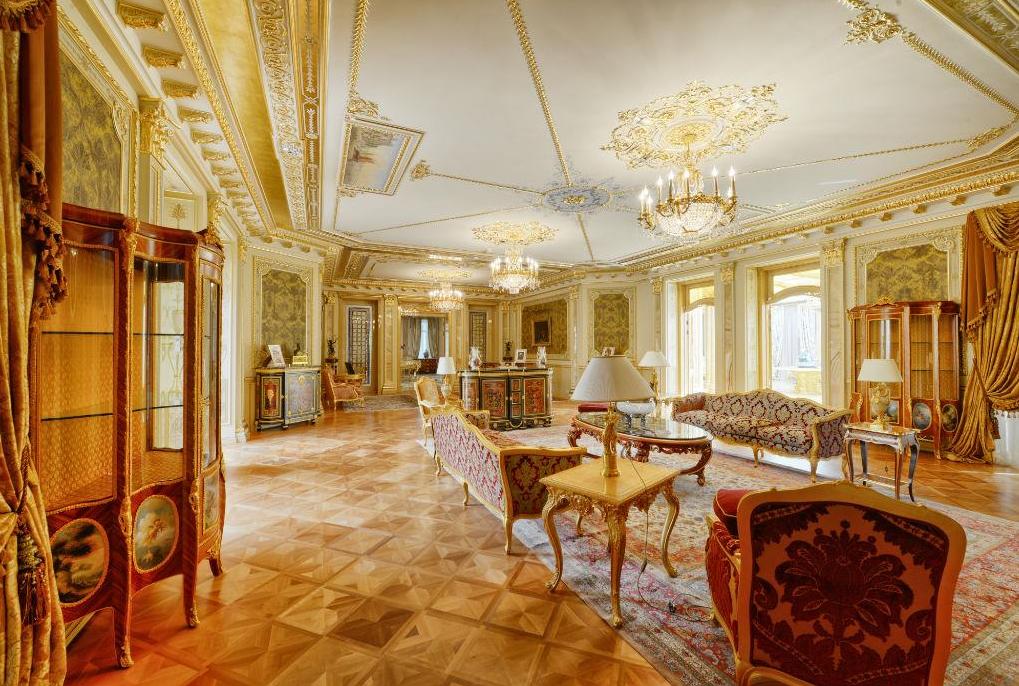 100 million 25 000 square foot mega mansion in moscow for Mega mansion for sale