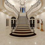 Foyer w/ Y-shaped staircase
