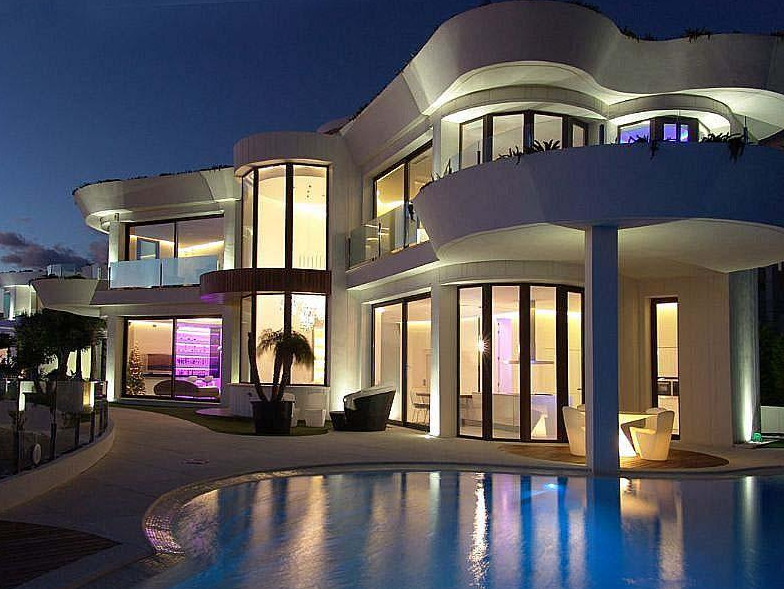 €5.5 Million Modern Waterfront Home In Spain | Homes of the Rich