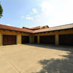 5-car Garage