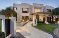 Contemporary Waterfront Mansion In Queensland, Australia With 20-Car Garage