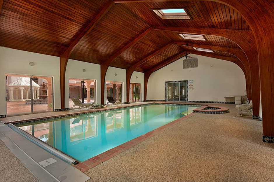 18 000 square foot estate in spring tx with indoor pool for Average square footage of a pool