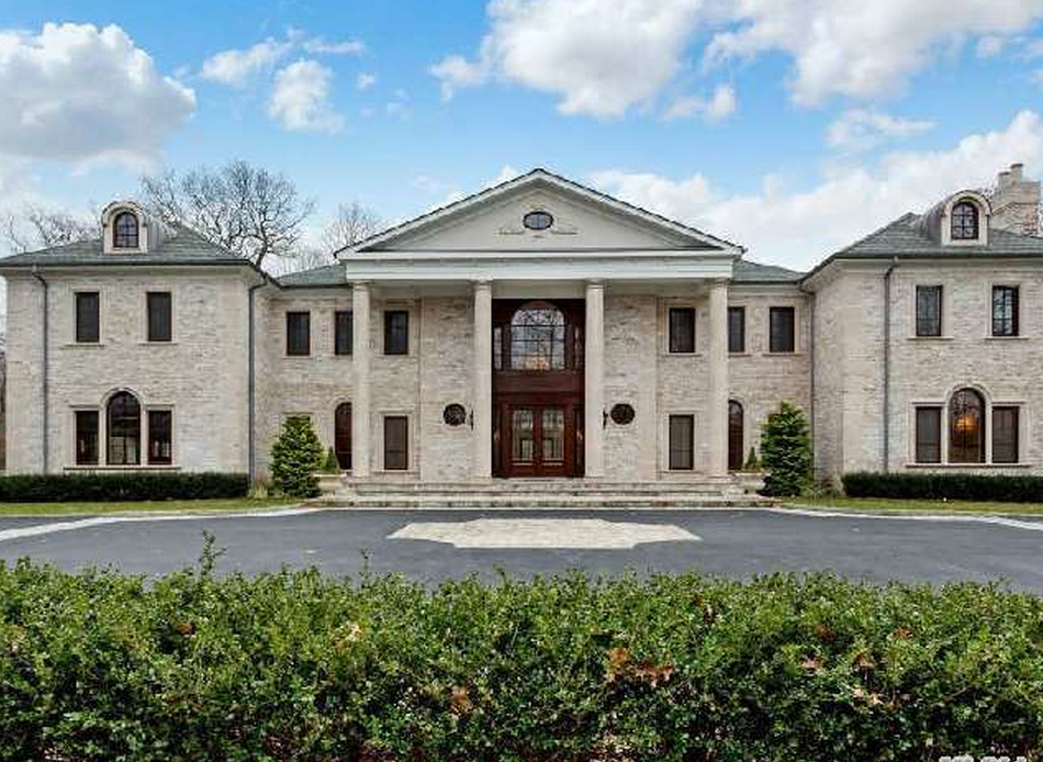 $8.95 Million Colonial Mansion In Upper Brookville, NY